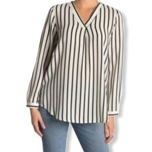 ADRIANA PAPELL Vertical striped split neck blouse